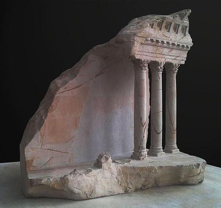 大理石を切り抜いて作った神殿のミニチュア09