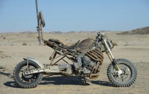 【画像】映画マッドマックスに出ていたバイクが凄い事になっている!の画像(1枚目)