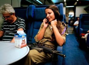 可愛いけどたくましい!イスラエルの女性兵士の画像の数々!!の画像(2枚目)