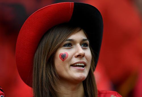 綺麗なサッカーのサポーターのお姉さんの画像の数々!!の画像(7枚目)
