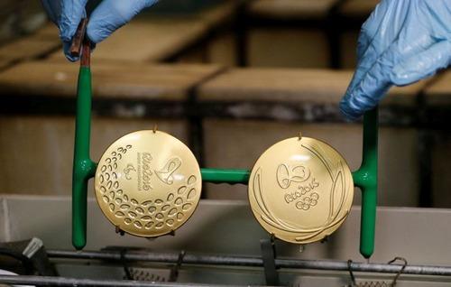 オリンピックのメダルの作り方の画像(14枚目)