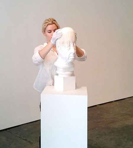 【画像】伸びたり縮んだり!スーパーカオス彫像アートの数々!!の画像(8枚目)