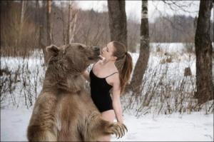 恐ロシア!300kgのヒグマとロシア美人のアート写真が凄い!!の画像(15枚目)