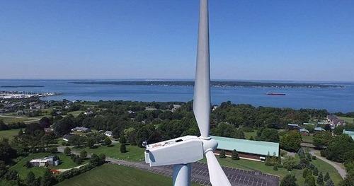 ドローンで撮影!発電用の巨大風車を上から撮影した驚愕の写真!の画像(2枚目)