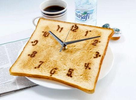 食パンの時計の画像(2枚目)