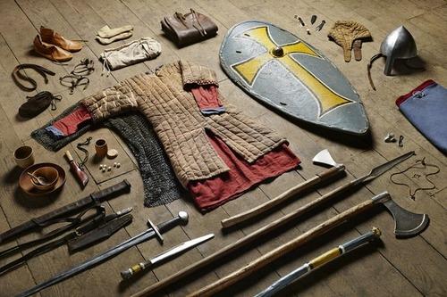 大昔から現在の兵士の装備を並べた画像がかっこよくて心ときめくwwwの画像(1枚目)