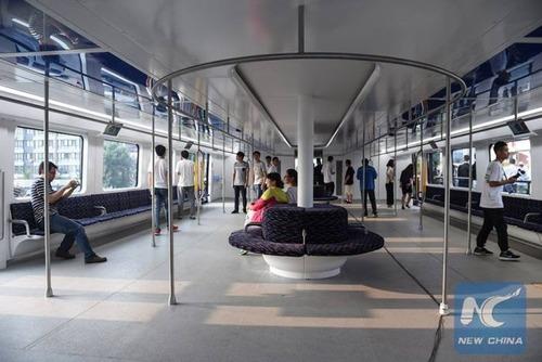 中国のバスがちょっと斬新の画像(4枚目)