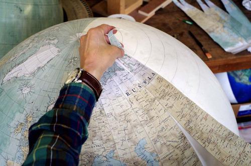 もはや芸術!手作りの地球儀「アトモスフェア」の製作風景が凄い!!の画像(20枚目)