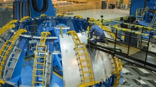 スペースシャトルの燃料タンクの画像(13枚目)