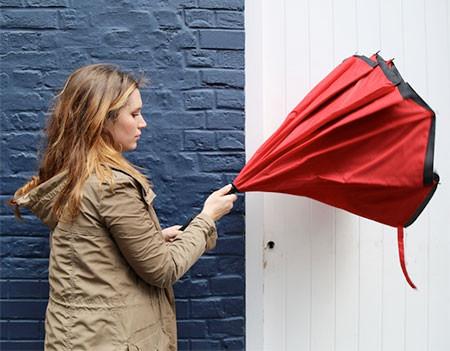 裏表が逆に折りたためる傘の画像(2枚目)