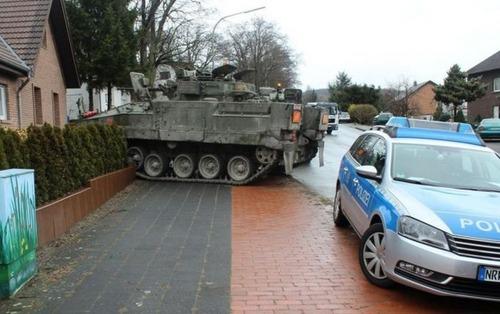 戦車が事故の画像(20枚目)