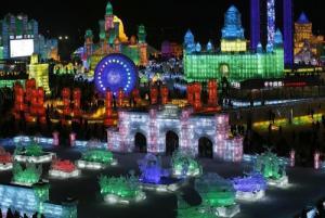 中国の雪祭りがなんだか華やか!の画像(1枚目)