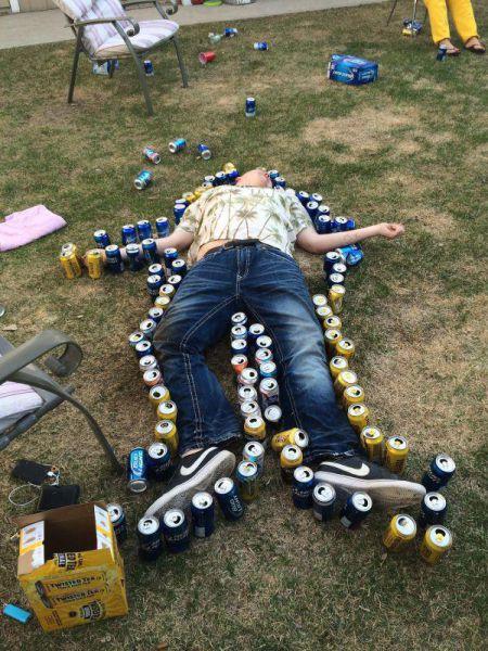 酒は飲んでも飲まれるな!おいしそうに酒を飲んでいる人と飲まれている人の画像の数々!!の画像(29枚目)