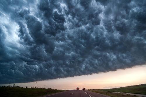 幻想的で恐ろしい!嵐が起こっている空を映した写真の数々!!の画像(7枚目)