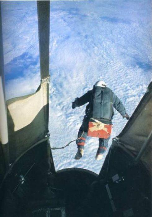高くて怖い!!高所での怖すぎる記念写真の数々!!の画像(37枚目)