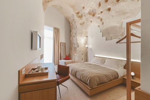 イタリアの洞窟がそのまま住宅街の画像(4枚目)