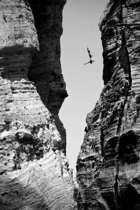 高くて怖い!!高所での怖すぎる記念写真の数々!!の画像(17枚目)