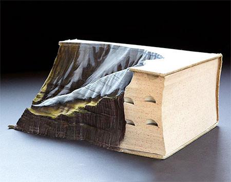 【画像】分厚い本が絶景になる!本を使ったアートが凄い!!の画像(12枚目)