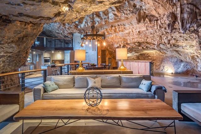 洞窟を使った!美しいホテルの画像(2枚目)