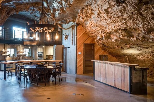 洞窟を使った!美しいホテルの画像(3枚目)