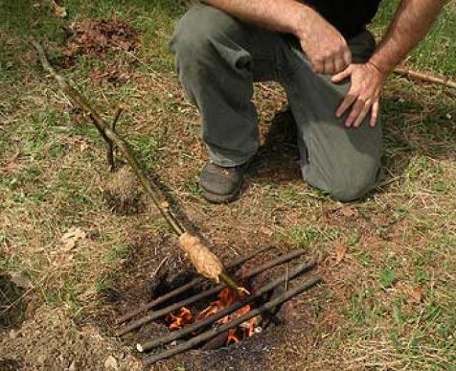 キャンプで使えるカマドの画像(3枚目)