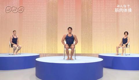 NHKの『みんなで筋肉体操』のお兄さんの体形05