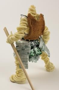 カップ麺をモデルにした戦士達のフィギュア04