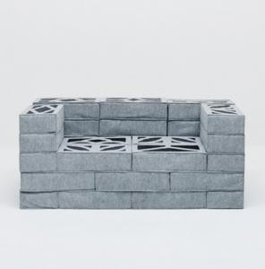 柔らか過ぎるコンクリートブロックのソファー06
