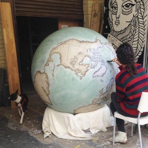 もはや芸術!手作りの地球儀「アトモスフェア」の製作風景が凄い!!の画像(18枚目)
