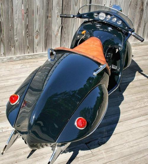 古いけど未来的!?50年以上前に作られたバイクがカッコいい!!の画像(3枚目)