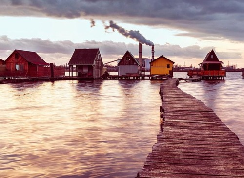 【画像】ハンガリーの湖に浮いている村がなんだか不思議!!の画像(5枚目)