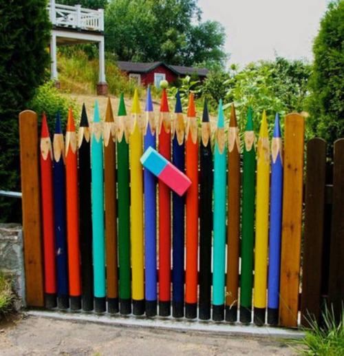 面白いちょっと魅力的な塀や柵をしている家の画像の数々!!の画像(8枚目)