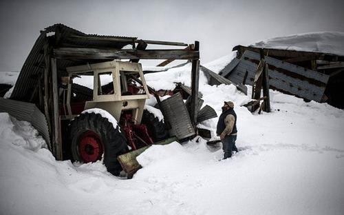 【画像】大雪のニューヨークで日常生活が大変な事になっている様子!の画像(30枚目)