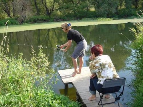カオスなところで釣りをしている人達の画像(6枚目)