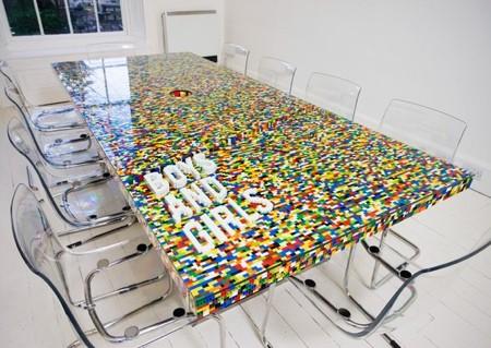 レゴで作った大きなテーブル02