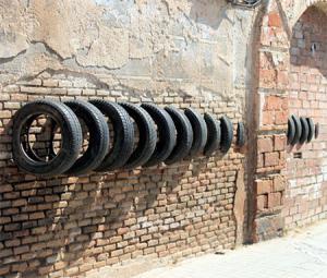 【画像】廃棄タイヤが不思議なアートに変身!の画像(8枚目)