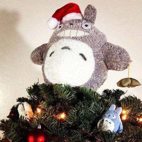 カオスなクリスマスツリーの上の飾りの画像(12枚目)