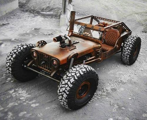 市販のオフロード車をマッドマックスの自動車みたいに凄いカスタム!の画像(8枚目)