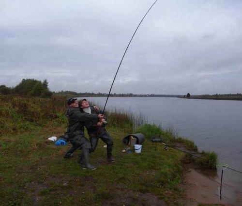 カオスなところで釣りをしている人達の画像(27枚目)
