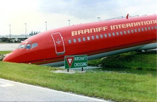 事故=大惨事!笑えるか笑えないか微妙な飛行機事故の画像の数々!!の画像(51枚目)