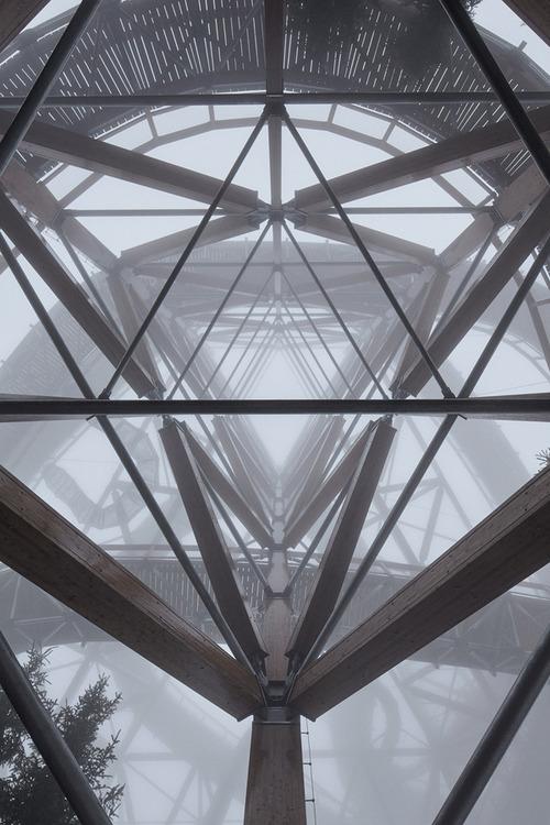 【画像】チェコ共和国にある超巨大で超怖過ぎる滑り台!!の画像(6枚目)