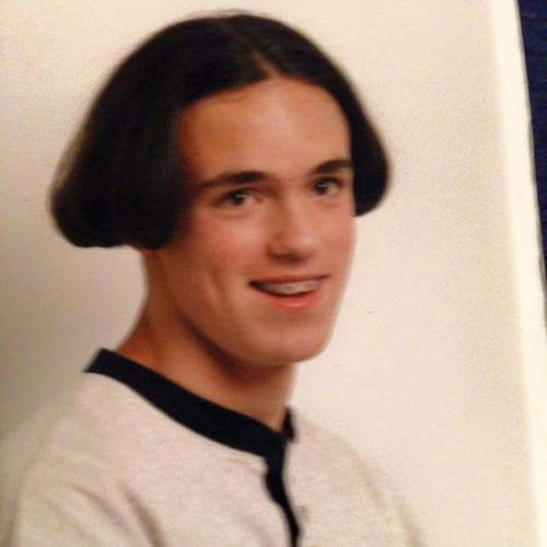 ちょっと斬新過ぎるにも程がある髪型の人たちの画像の数々!!の画像(12枚目)