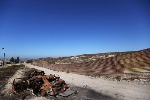 アメリカとメキシコの間の壁の画像(12枚目)