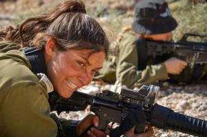 可愛いけどたくましい!イスラエルの女性兵士の画像の数々!!の画像(27枚目)