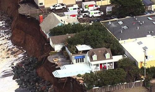【画像】海沿いの崖が崩れて崩落中のカリフォルニアの町が怖すぎる!!の画像(11枚目)