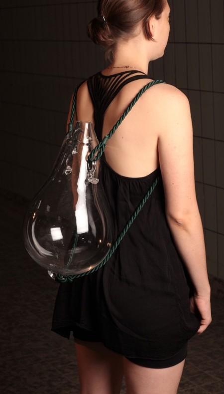 ガラスでできたリュックサック03