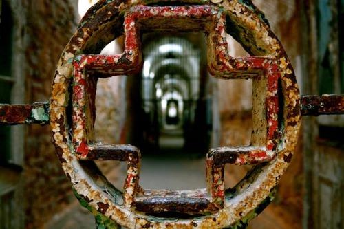 【画像】ペンシルバニアの州立刑務所が不気味で美しい…の画像(1枚目)