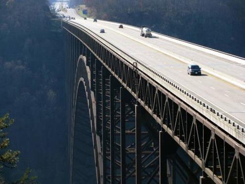 美しい橋の画像(1枚目)