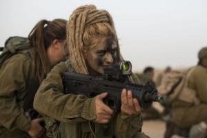 可愛いけどたくましい!イスラエルの女性兵士の画像の数々!!の画像(43枚目)