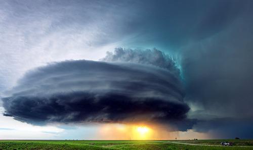 幻想的で恐ろしい!嵐が起こっている空を映した写真の数々!!の画像(2枚目)